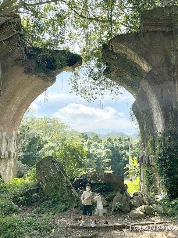 苗栗鐵道旅遊》舊山線鐵道自行車   彷彿走入時光隧道   通往另一處絕美秘境 @章魚娜娜 ∞ 玩味生活