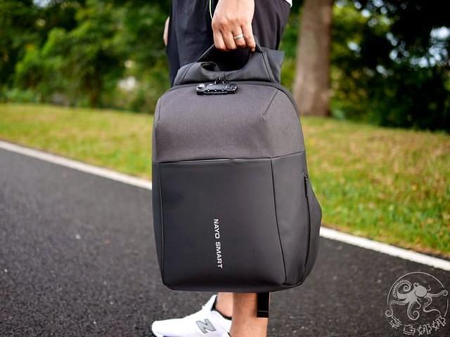 行李箱包【NayoSmart Backpack】機能旅行後背包,將生活、工作、旅行融合在一起,20多個收納空間,可以放入3-5天衣物與電子設備的時尚科技感包包,輕旅行就是這麼簡單。 @章魚娜娜 ∞ 玩味生活